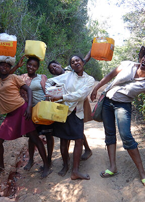 Some of the young women participating in youths for lemurs project!
