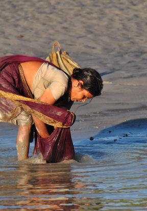 Even fishing methods can differ between men and women, again leaving shore-based fishers more exposed to potential wildlife attacks